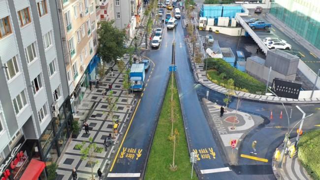 Kağıthane 'Seyir Caddesi' göz kamaştırıyor