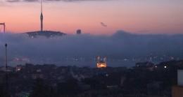 Sis, İstanbul Boğazı'na kendini gösterdi