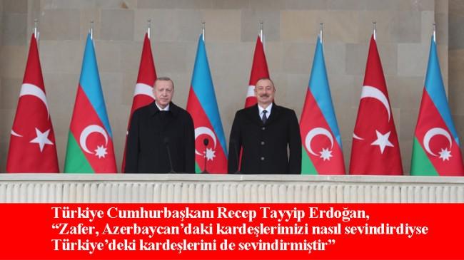 """Cumhurbaşkanı Erdoğan, Azerbaycan'da düzenlenen """"Zafer Geçit Töreni""""ne katıldı"""