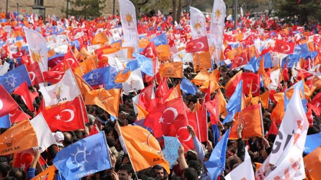 AK Parti, sosyal medyadaki yalanları doğrularıyla çürütecek