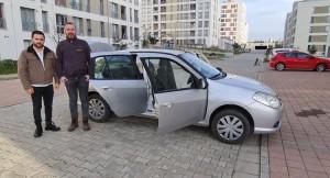 Arabanın önü 2012, arkası 2010 model!