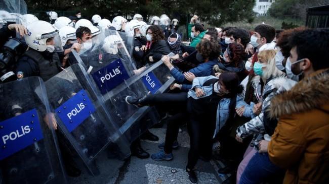 Boğaziçi Üniversitesi önündeki eyleme ilişkin 14 anarşist daha yakalandı