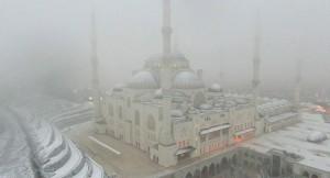 Büyük Çamlıca Camii karla buluştu