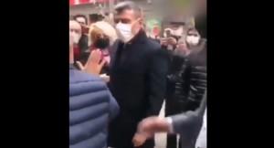 """CHP seçmenlerle Öztürk Yılmaz'ın """"Hadi lan"""" kavgası"""