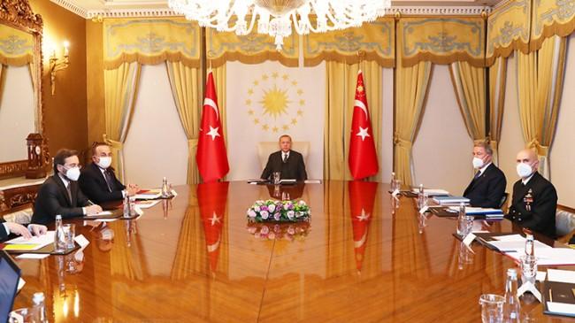 Erdoğan, saldırıya uğrayan geminin 4. kaptanıyla telefonda görüştü