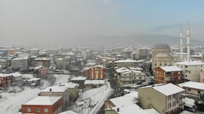İstanbul'da kar yağışı devam ediyor
