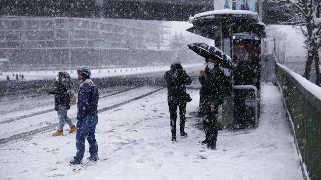 İstanbul'dan karlı Pazartesi