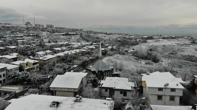 İstanbul'un iki yakası da kar altında