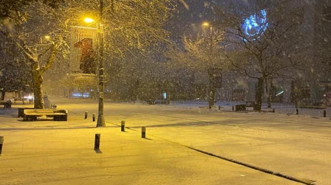 Hayran bırakan kar yağışı görüntüleri