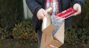 İnternetten telefon siparişi verdi, kargodan bisküvi çıktı!
