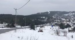 İstanbul'un yüksek kesimlerine kar yağdı