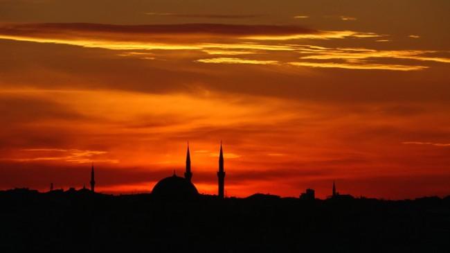 Taksim'de heyecanlandıran günbatımı