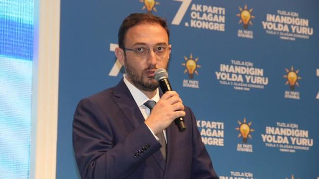 Talha Tayfur, AK Parti Tuzla'nın yeni ilçe başkanı seçildi