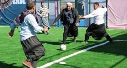 Viranşehir Sarıbal Mahallesi'nin de artık spor tesisi var