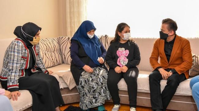 Başkan Yazıcı, Tuzlalı 65 yaş üstü vatandaşları ziyaret etti
