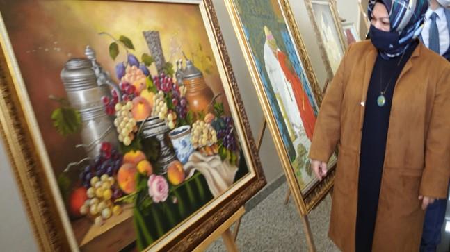 Başkan Döğücü, Sancaktepeli sağlık çalışanlarının resim sergisine katıldı