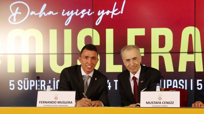 Fernando Muslera imzayı attı