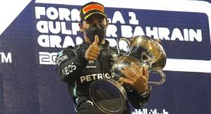 Formula 1'de sezonun ilk yarışını Lewis Hamilton kazandı