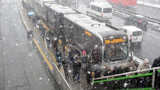 İstanbulluların bilgisine, kar geliyor