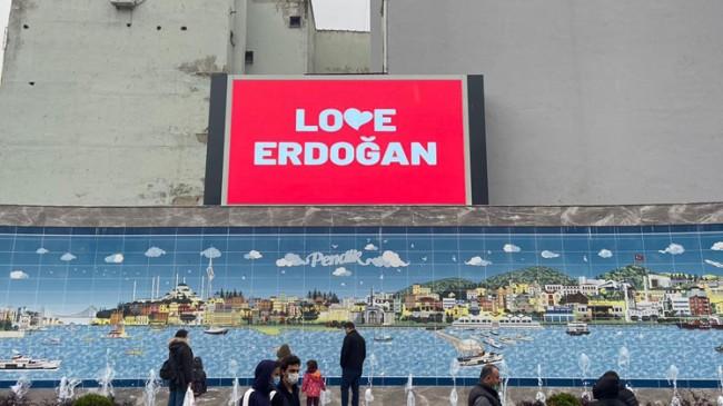 """Pendik'te """"Love Erdoğan"""" görüntülerine yoğun ilgi var"""
