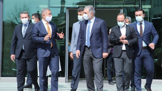 AK Parti İstanbul İl Başkanı Osman Nuri Kabaktepe Üsküdar'da