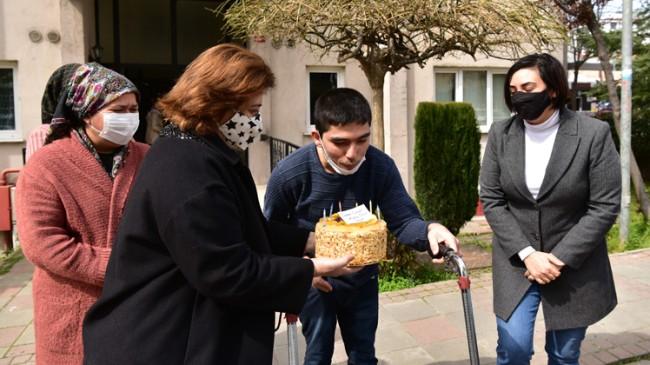 Başkan Şadi Yazıcı, Yusuf'a pasta göndererek doğum gününü kutladı