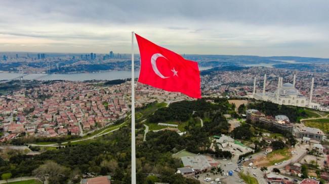 Erdoğan, çocuklarla birlikte Dünya'nın en güzel bayrağını göndere çekti