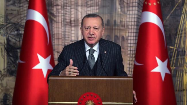 """Erdoğan, """"Güya bize muhalefet yapmak adına gavurun kılıcını sallayarak üzerimize gelenlere üzülüyoruz"""""""