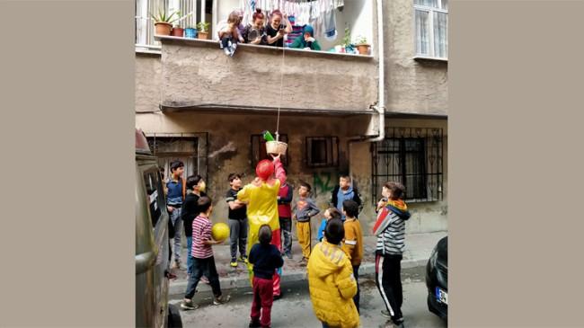 Esenlerliler, balkondan yarışıp kazandılar