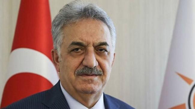 """Yazıcı, """"27 Nisan e-muhtırası, Erdoğan ve arkadaşlarının duruşuyla önlenmiştir"""""""