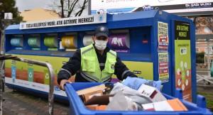 Tuzla Belediyesi her gün 40 ton atık malzemeyi toplayıp ayrıştırıyor