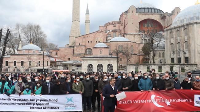 Yeri ve Milli Türk Milletinin, emekli amirallere tepkisi devam ediyor