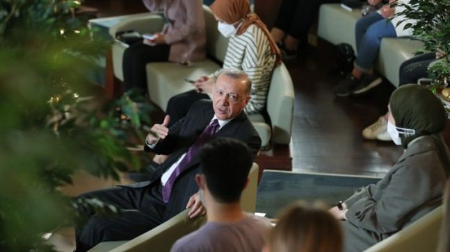 Cumhurbaşkanı Erdoğan gençlerle buluştu