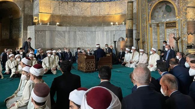 Erdoğan, Ayasofya-i Kebir Cami-i'nde düzenlenen Hafızlık icazetine katıldı