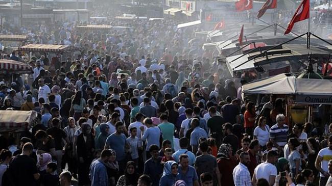 İstanbul, Avrupa'nın en kalabalık şehirleri arasında zirveye oturdu