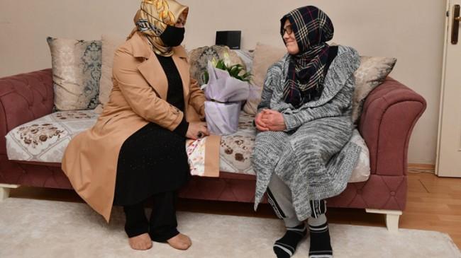 Başkan Döğücü, engelli anne Görmez'i ziyaret ederek Anneler Günü'nü kutladı