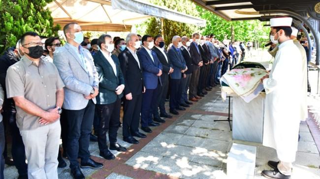 Pendik Belediye Başkanı Ahmet Cin'in kayınvalidesi Hakk'a uğurlandı