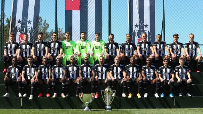 Şampiyon Beşiktaş'tan poster çekimi
