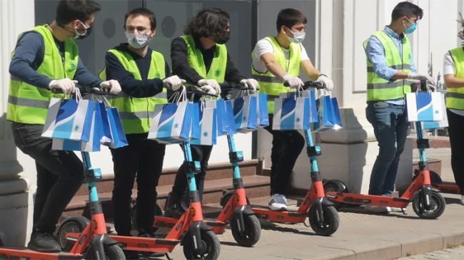 Tuzla Belediyesi, Tuzlalı büyükler ve engellilere genç kuşakla sürpriz yaptı