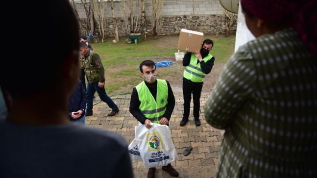 Tuzla Belediyesi'nin gönül elleri Van'a uzandı