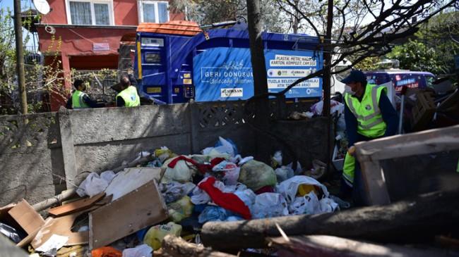 Tuzla'da çöp evden 16 ton çöp çıktı