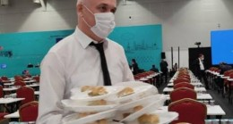 CHP'li meclis üyeleri, AK Parti'nin baklavasını ucuz diye mi yemedi!