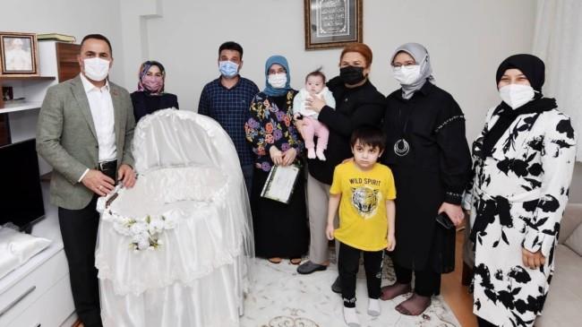 Bakan Yanık'tan Beyoğlu'nda 'Hoşgeldin Bebek' ziyareti