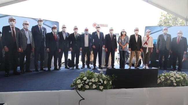 Bakan Kurum, deniz salyası temizliği seferberliğini Kadıköy'den başlattı