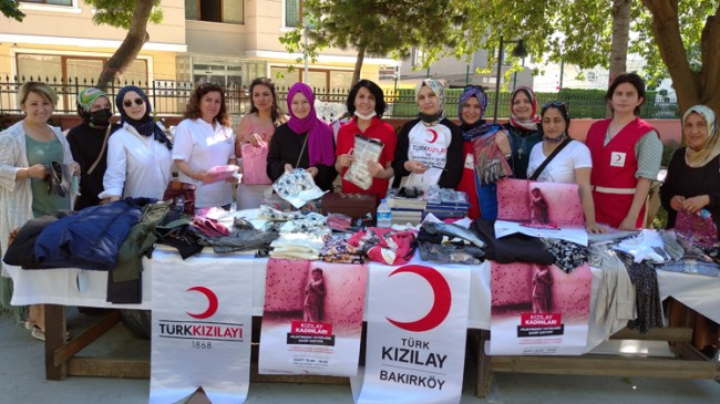 Bakırköy Kızılay Kadın Kolları, Filistinli yetim çocuklar için kermes düzenledi