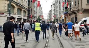 İstiklal Caddesi'nde kısıtlamasız ilk Cumartesi