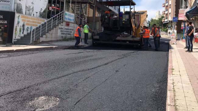 Sancaktepe Belediyesi yol bakım ve asfalt serim çalışmalarına devam ediyor