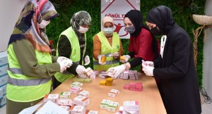 Tuzla Belediyesi Gönül Elleri Çarşısı'ndan Tuzlalı kadınlara istihdam imkânı