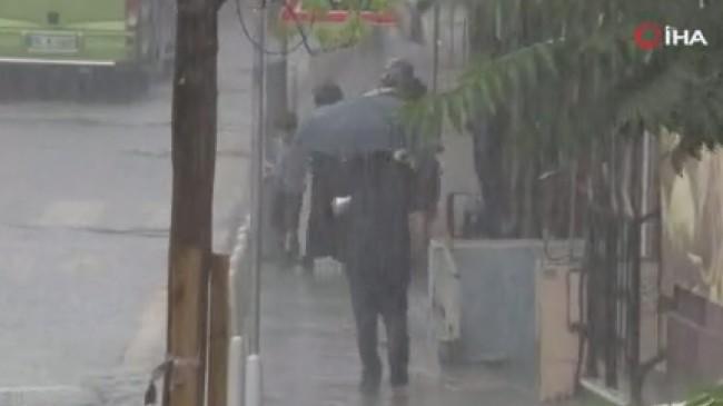 Yağmur İstanbul'da etkisini gösterdi