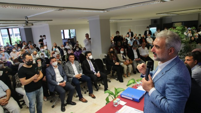 """Başkan Kabaktepe, """"İBB yöneticileri Kadir abinin yaptığı binaya üç tabela asıp yeniden açtılar"""""""